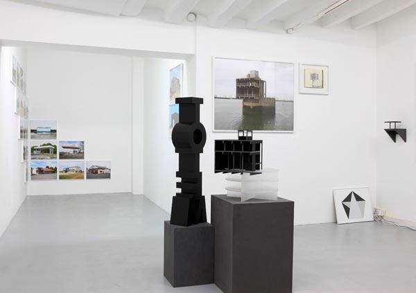 Eric Tabuchi, vue générale de l'exposition, Between Peaks