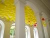 Enchanté, 2012, ballon, paillettes, hélium, source de chaleur, édition de 3 + 2 EA