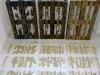 Estibas, 2010, installation, palettes de transport norme EPAL (120 x 80 cm), sciure provenant de chaque palette découpée, dimensions variables, pièces uniques