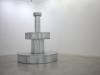 Chagrin, 2019, fontaine hermétique, zinc, plomb, pompe électrique, eau, 150 x 150 x 170 cm, pièce unique. Vue d'exposition à la Galerie Vasistas, Montpellier, France