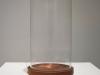Sans titre (Lourdes), 2017, cloche en verre soufflé, eau de Lourdes évaporée, 11 x 25 cm, éditions limitées (dimensions variables), pièce unique. Photo © Aurélien Mole