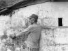 Archive - Rasgando musgo - casa recuperada, 2017, photographie argentique noir et blanc sur papier baryté, 50 x 60 cm, édition de 15 + 3 EA